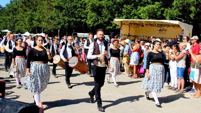 Chants folkloriques provencaux Fête de la lavande